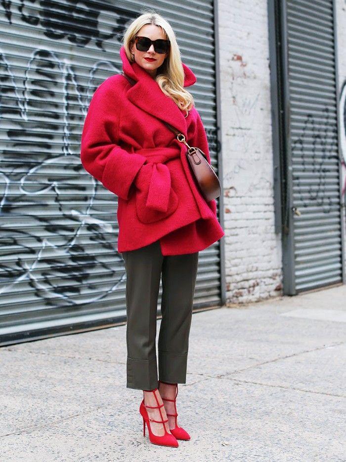 10+Style+Bloggers,+10+Very+Clever+Outfit+Tweaks+via+@WhoWhatWearUK: