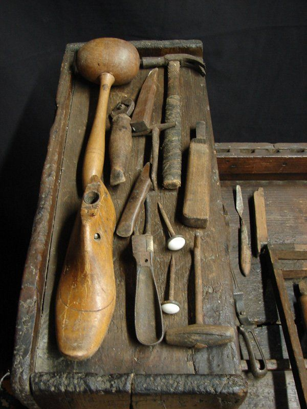 18TH CENTURY COBBLERS TOOLS Antique Cobblers Benches