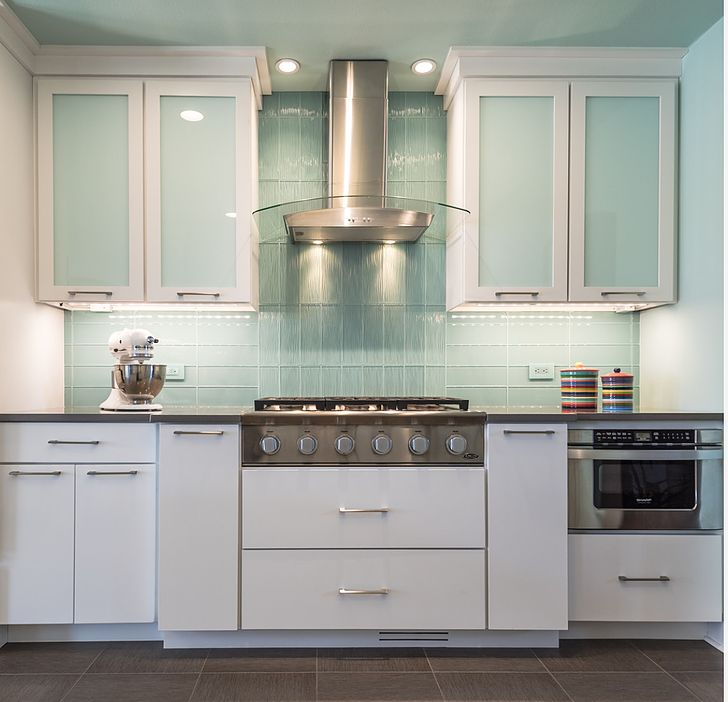 59 best kitchen backsplash images on pinterest on kitchen cabinets vertical lines id=51957