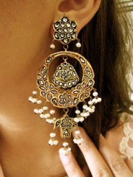 Solah Shringar: Earrings