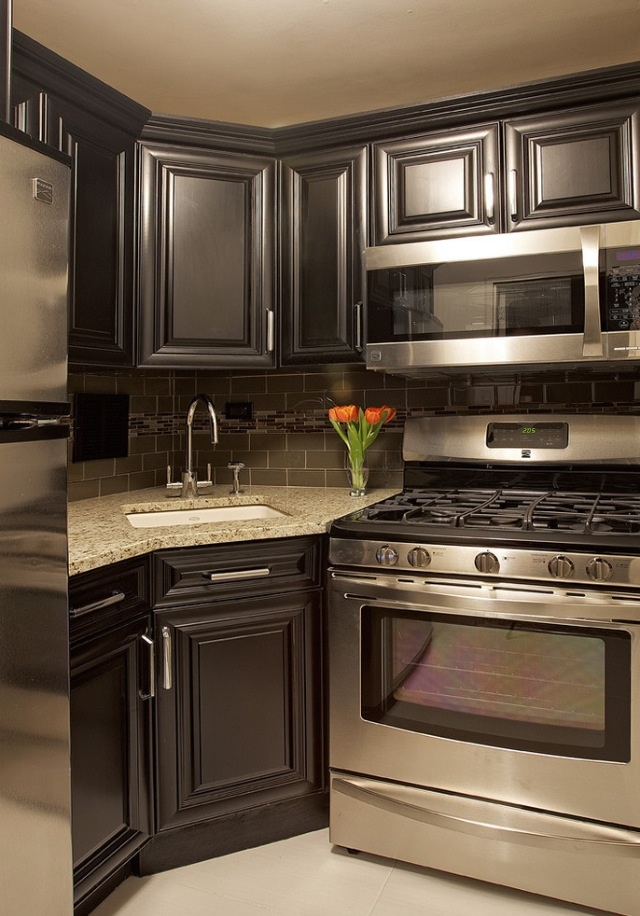 186 best images about small kitchens on pinterest little kitchen galley kitchens and modern on kitchen ideas with dark cabinets id=78460