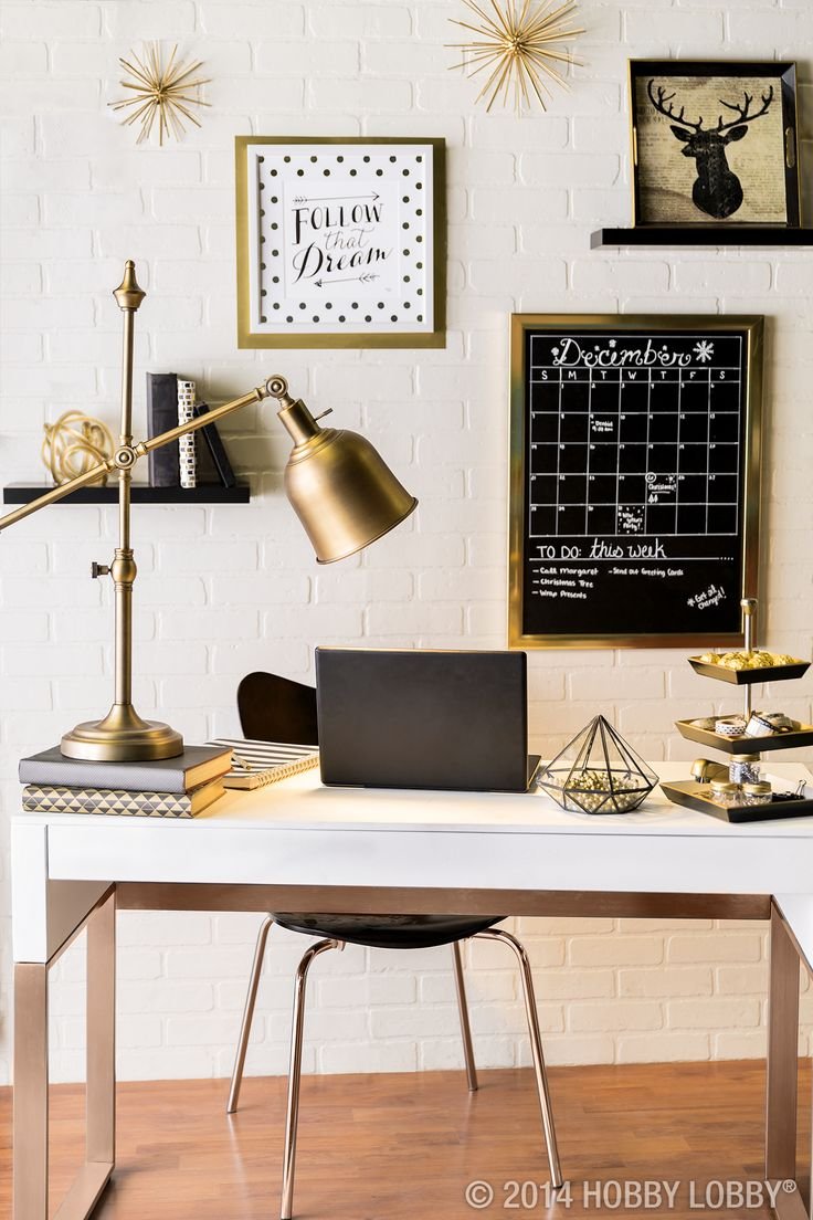 Dress Up Your Office With Modern Touches And Stylish Gold