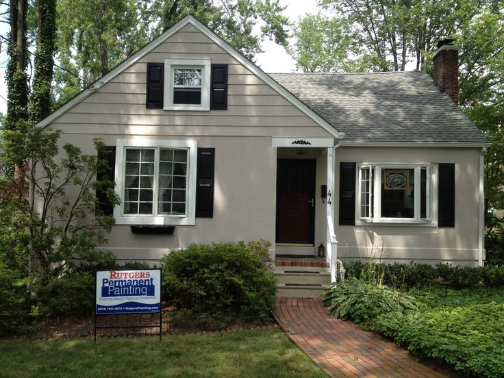 work is complete body color of the exterior hampshire on exterior home paint ideas pictures id=39781