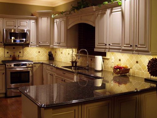Classic Style Backsplash Might Add Decorative Trim Above 4X4 Horizontal Laid Tumbled Marble