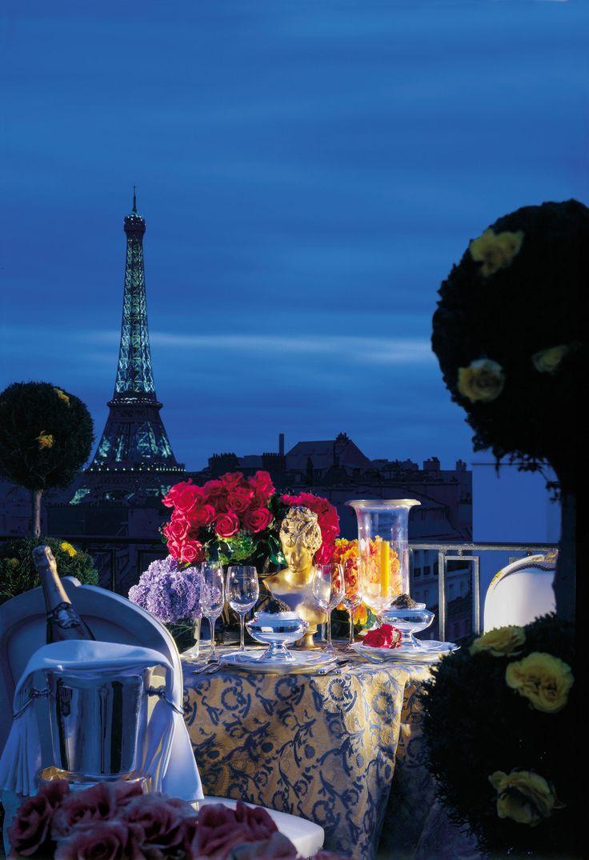 Romantic Dinner Overlooking The Eiffel Toweron The Roof