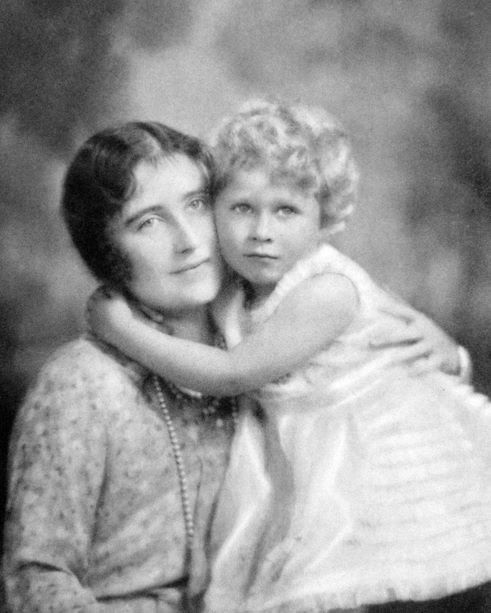 1000 Images About Royal Family The Queen Mother On Pinterest Queen Mother Queen Elizabeth