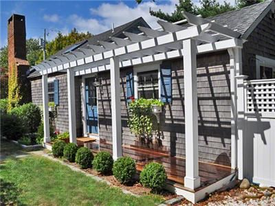 Pergola On A Cottage And Love The Color Scheme For The
