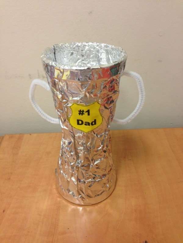 Preschool Father's Day Trophy Craft | Valentines day ...
