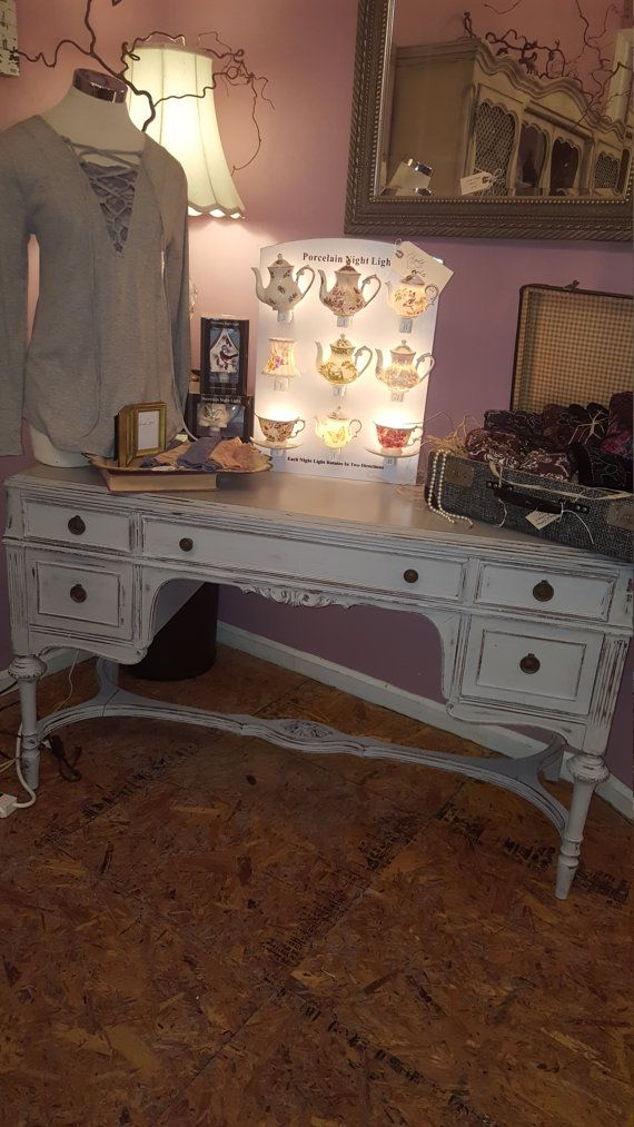 1000 Ideas About Antique Desk On Pinterest Painted