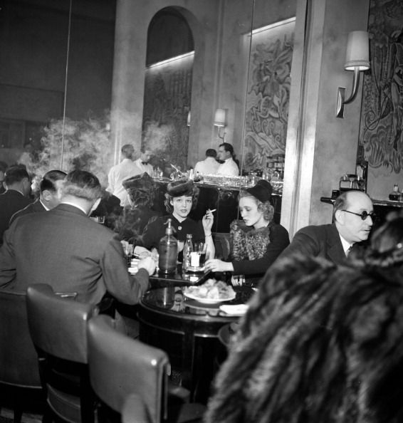 The Hotel Ritz Paris bar in the 1930s - after the ban on women was lifted, thank you very much.