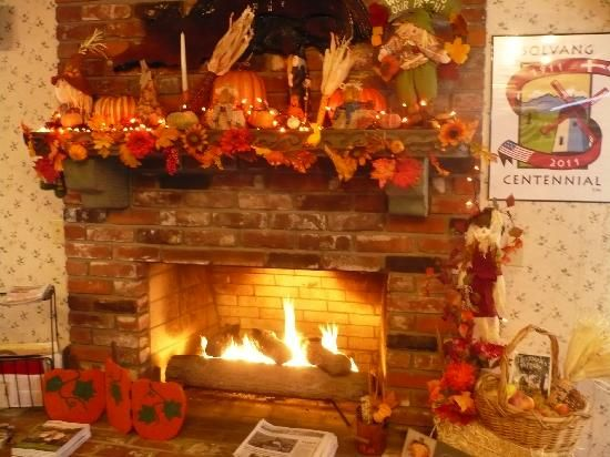 1000+ Images About Thanksgiving/ Fall Fireplace Ideas On