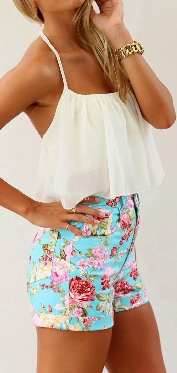 Floral Short With White Top so cute