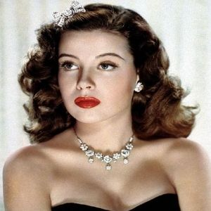 17 best images about 1930 s hairstyles makeup on pinterest long hair 1930s hair and 1930s makeup