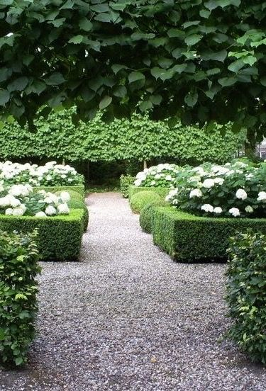 a strolling garden for those who need to bring order to chaos