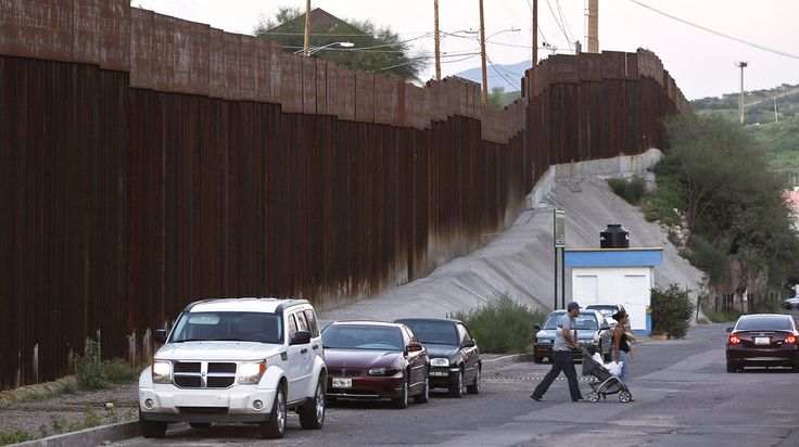 17 best images about usa mexico border fence on on border wall id=42139