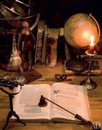 Storytelling starts by reading