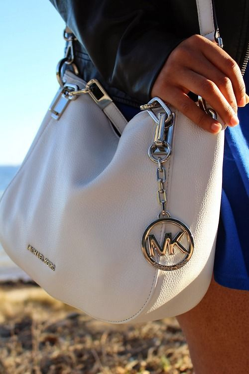 Michael Kors Bags are off sale now. So lovely.$57.99