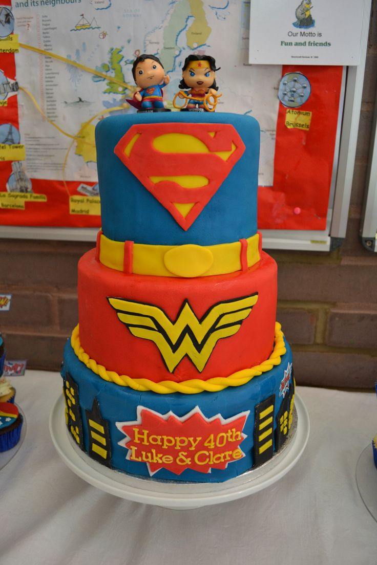 Superman Amp Wonder Woman Wedding Cake The Amazon And The
