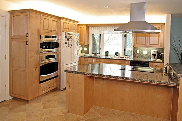 Maple Cabinetry w/ Quartz Countertop | For the Home ... on Natural Maple Maple Cabinets With Quartz Countertops  id=79554