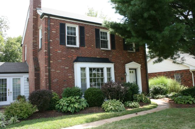 Brick Houses With Black Front Doors