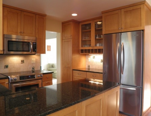 17 Best images about Kitchens maple cabinets, dark granite ... on Best Countertops For Maple Cabinets  id=90073