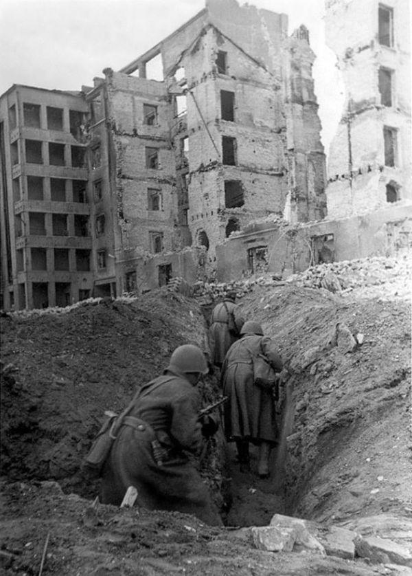 17 Best ideas about Battle Of Stalingrad on Pinterest ...