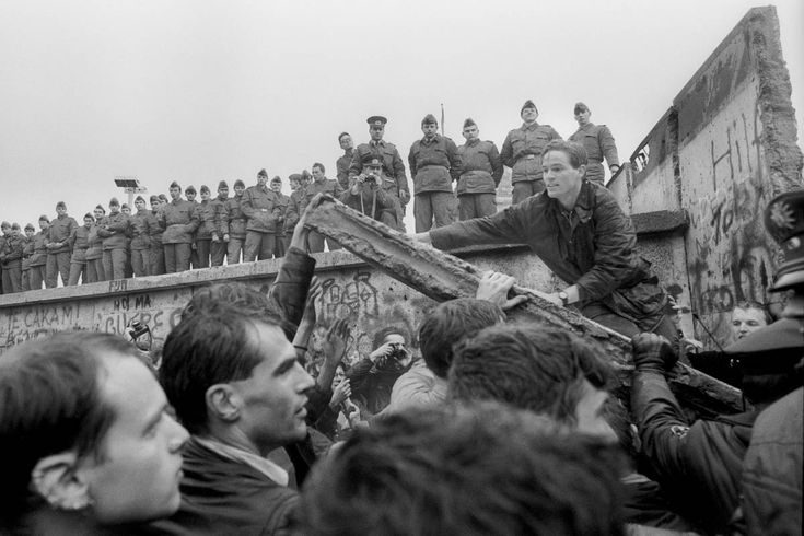 17 best images about berlin wall 1961 1989 on pinterest on berlin wall id=80178
