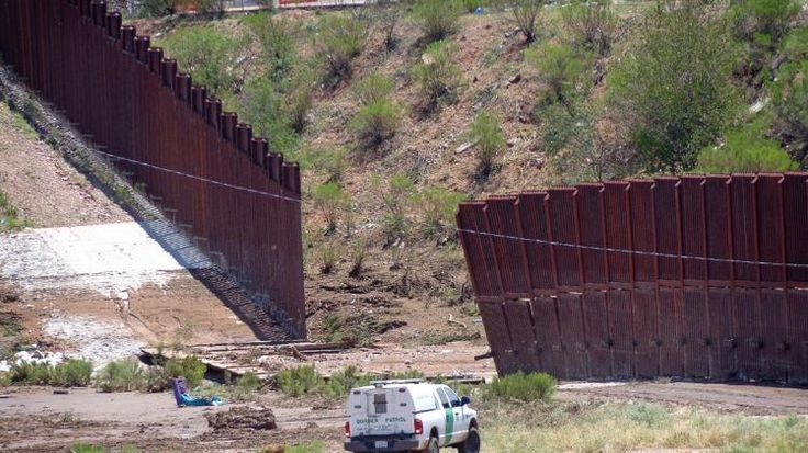 78 images about usa mexico border fence on pinterest on border wall id=79918