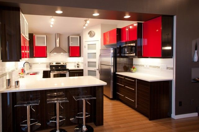 Modern G Shaped Kitchen Looks Like Peninsula Wall Is