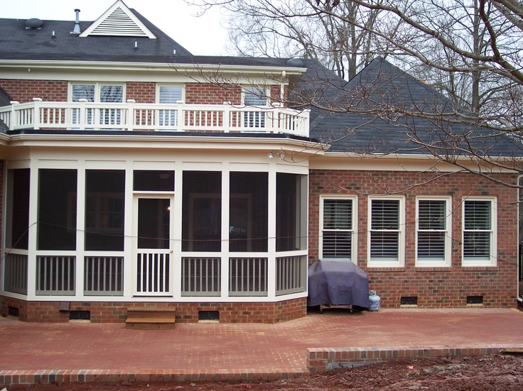 Flat Roof Style Screened In Porch With Decorative Small