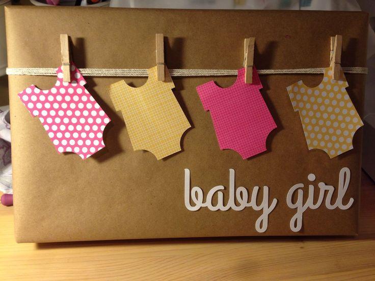 Baby shower gift wrap - If any one knows the original source for this let me know! http://regalosfabulosos.com/ideas-para-envolver-regalos-creativos-curiosos/: