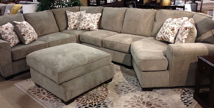 Patola Park Patina Sectional With A Stylish Contemporary
