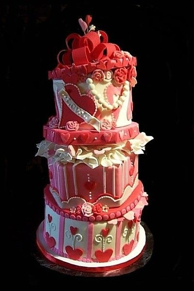 12 Best Images About Valentines Day Wedding Cakes On