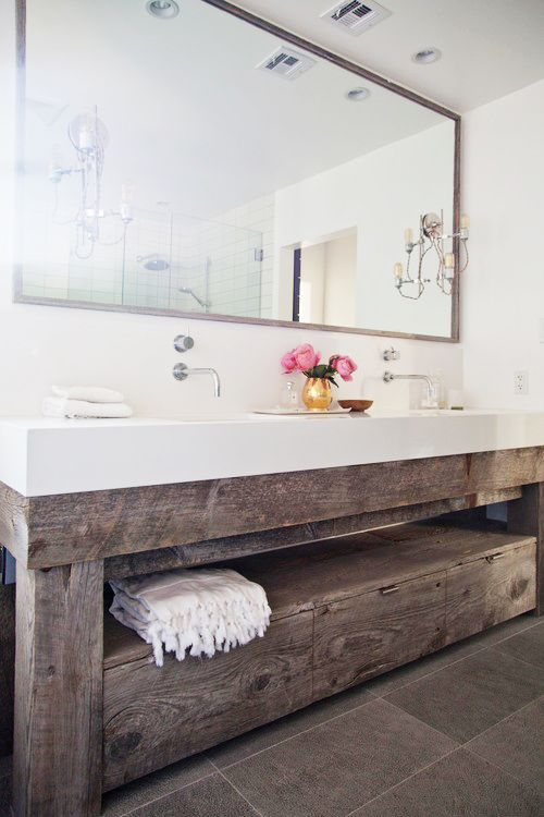 Reclaimed wood is perfection in this bathroom. I'm going to have it all over my future house.: