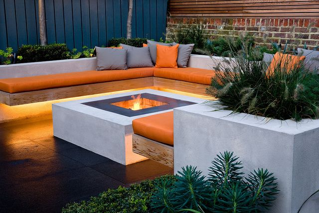 Chill Out Garden | Contemporary seating area with linear ... on Modern Boma Ideas id=72298