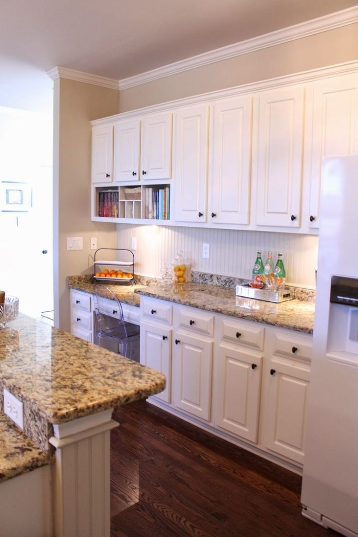 What Color Kitchen Cabinets Look Good With White