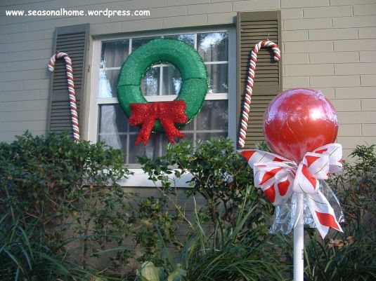 """Outdoor """"CANDY""""! A Christmas Decorating Idea"""
