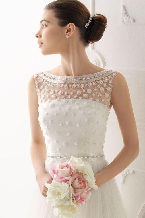 airebarcelona _2014Wedding Dress and Blush Pink bouquet