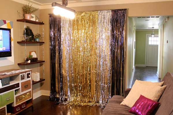 Photo Backdrop - Top 32 Sparkling DIY Decoration Ideas For New Years Eve Party: