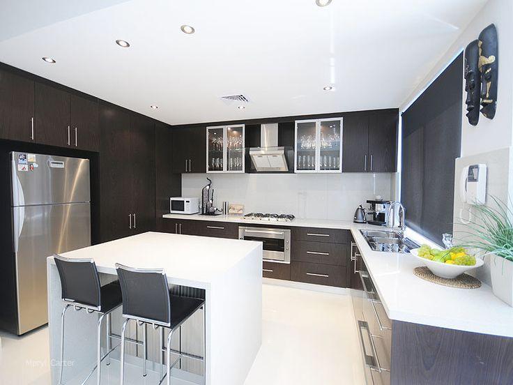 U-shaped Kitchen Designs With Island Bench