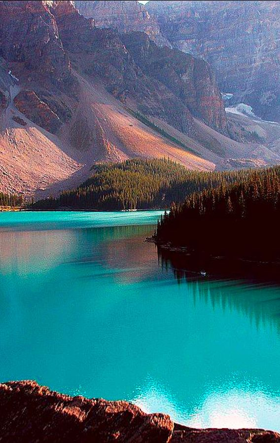 Moraine Lake, Banff National Park, Alberta, Canada: