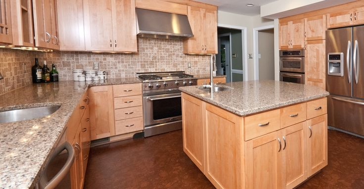 Under cabinet range hood, natural maple Shaker style ... on Best Countertop Color For Maple Cabinets  id=96912