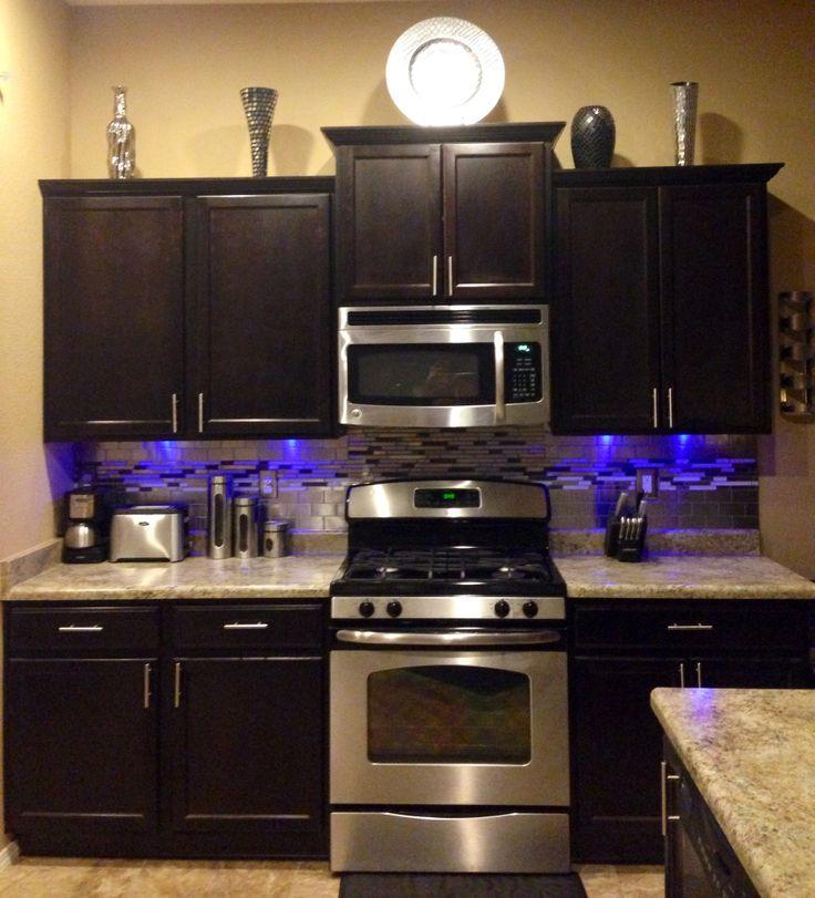 Brown Silver Kitchen Tile Stainless Steel Backsplash Modern Kitchen LED Lights Under Cabinets