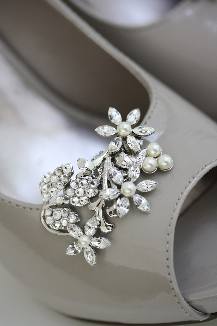 Wedding Shoe Clips Pearl Rhinestone Crystal Flower Shoe