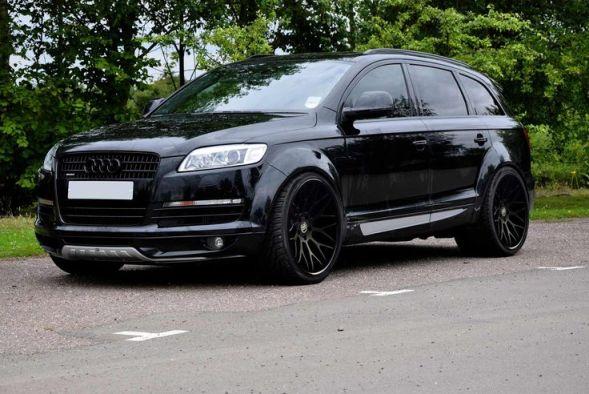 black Q7