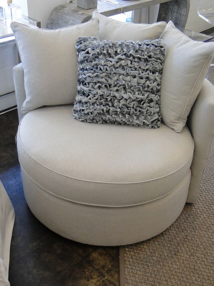 Mitchell Gold Jeanette Round Swivel Chair In Ayers Dove