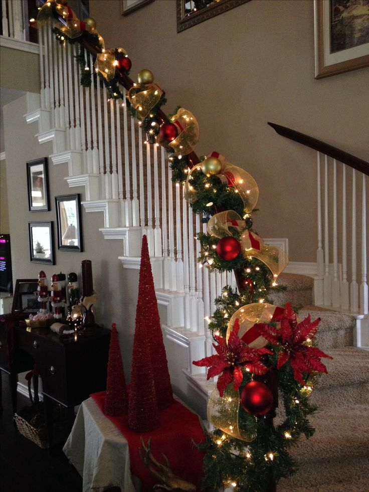 25 Best Ideas About Christmas Staircase On Pinterest
