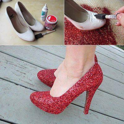 DIY: Dorthys Ruby Red Slippers