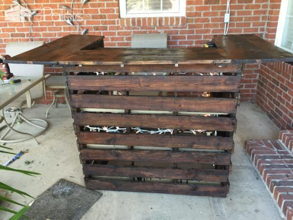 Best 20 Outdoor Pallet Bar Ideas On Pinterest Pallet