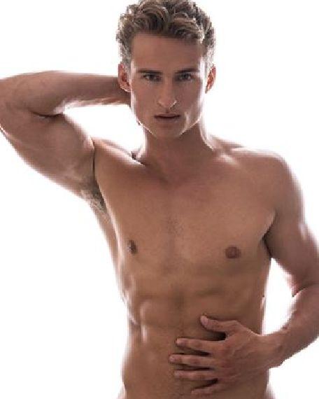 Shirtless Gage Alexander Smith Http Bit Ly